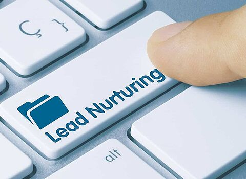 Computertastatur mit Lead-Nurturing Button